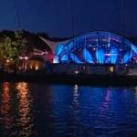 Żeglarskie oświetlenie amfiteatru nad j. Czos
